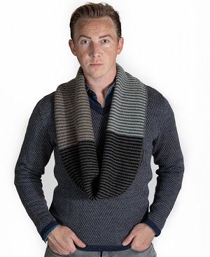 36602 - Knitted Men's Infinity Scarf